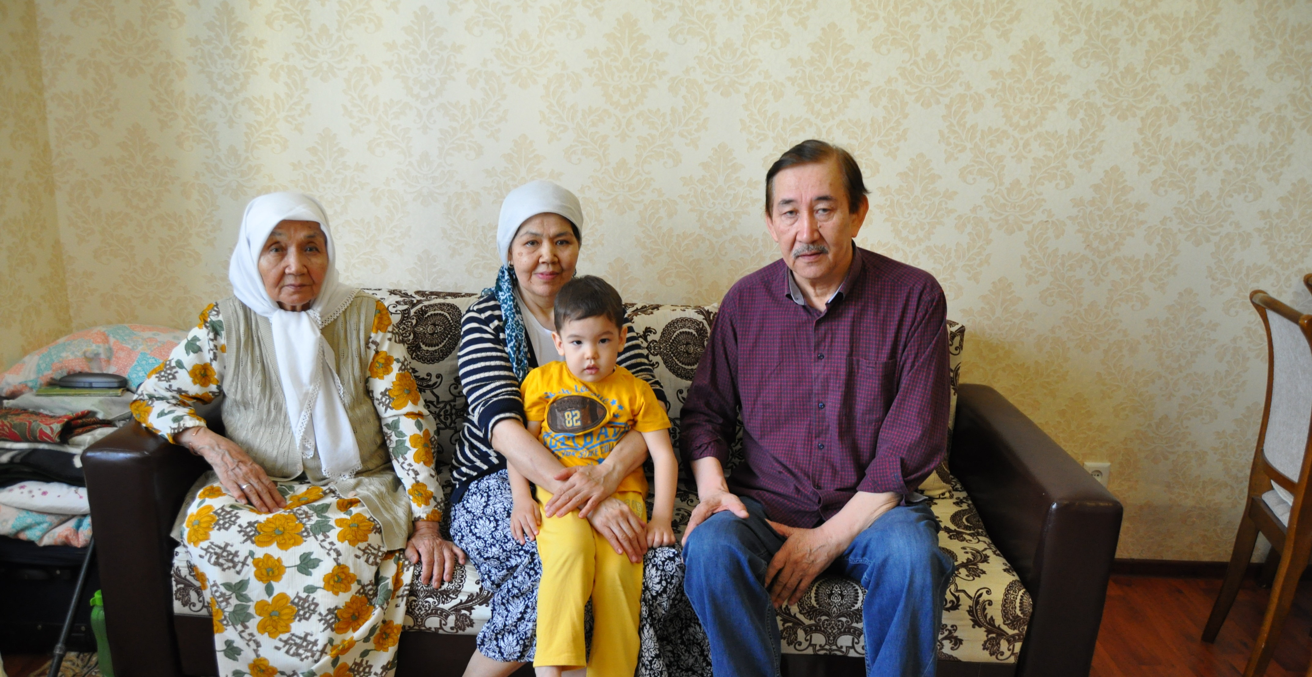 Вернувшаяся на историческую родину казашка Фазила Жаналтай и ее семья