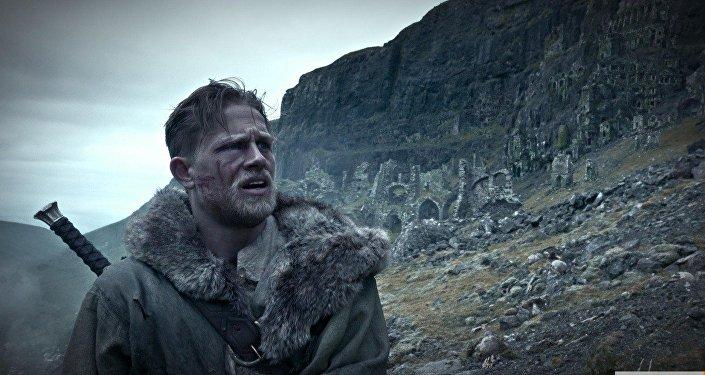 Кадр из фильма Меч короля Артура