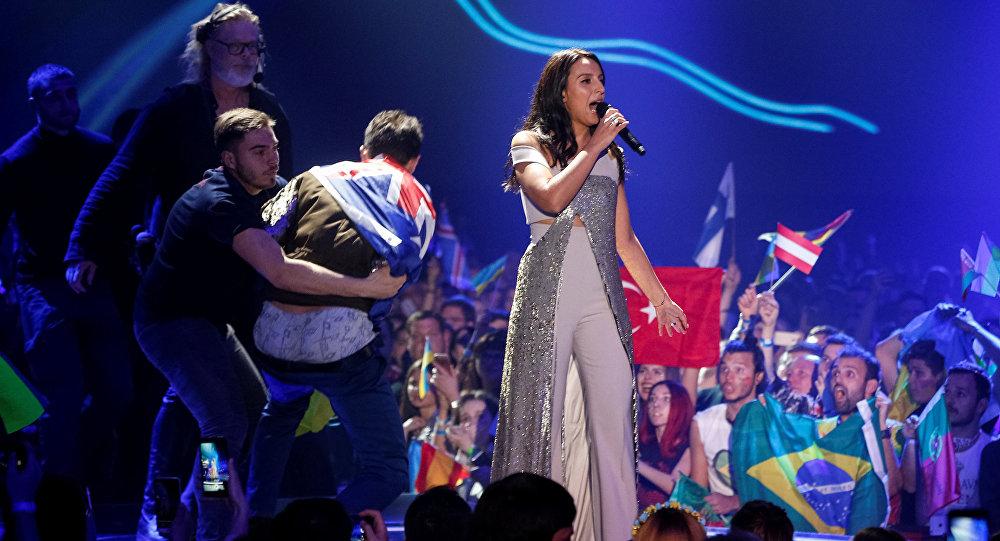 Зритель снял штаны во время выступления Джамалы на Евровидении