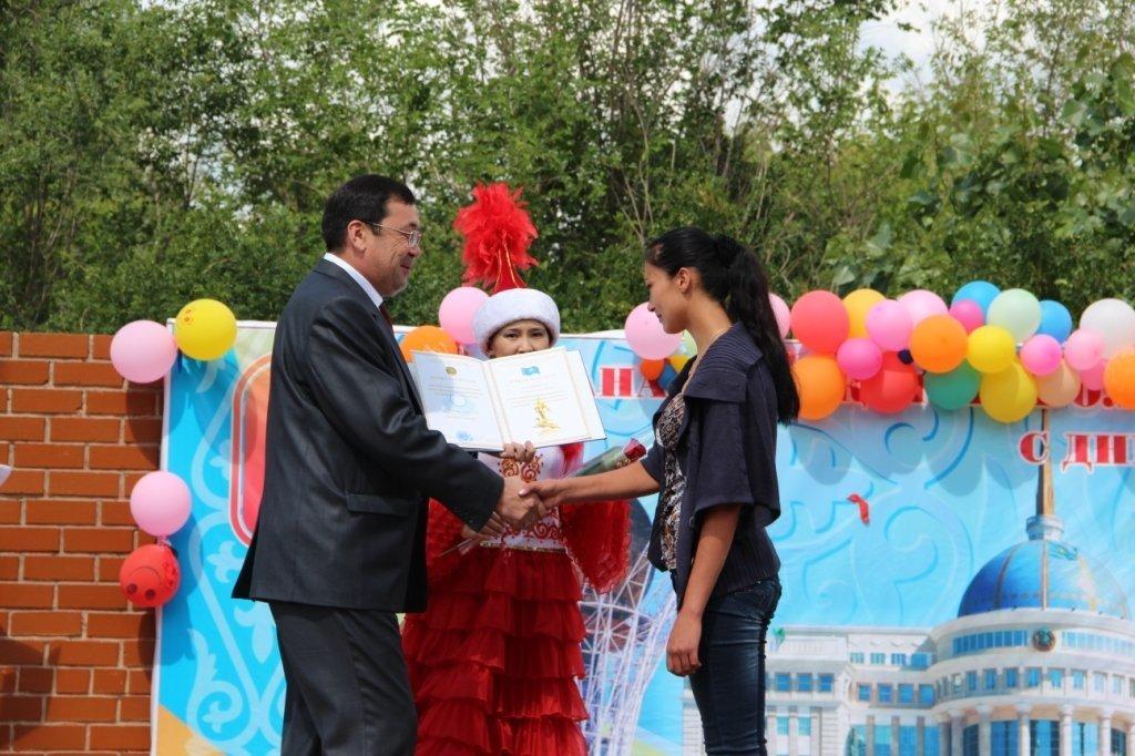Ксения Шестоперова в 2013 году получила почетный знак за спасение человека