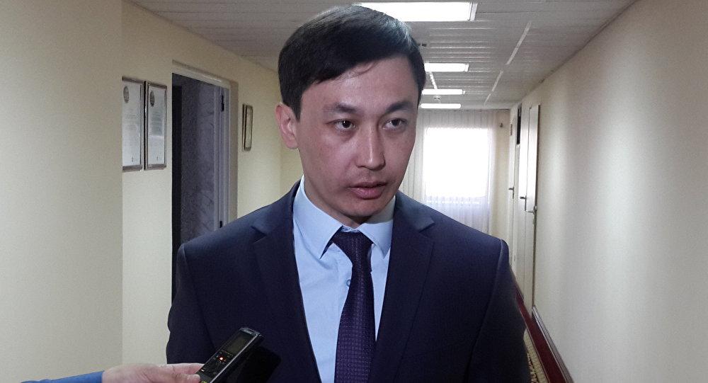 Директор департамента государственных услуг Агентства РК по делам государственной службы и противодействию коррупции Адильбек Мукашев