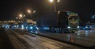 Архивное фото большегруза на дороге