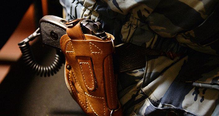 Табельное оружие, архивное фото