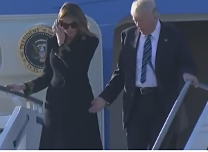Меланья Трамп вновь не подала руку мужу