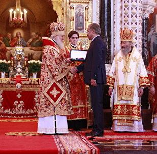 Иманғали Тасмағамбетов Патриарх Кириллге Достық орденін табыс етті