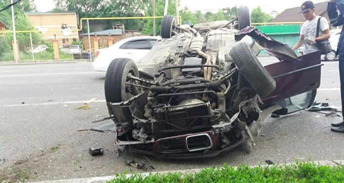 Водитель заснул за рулем и снес столб в Алматы
