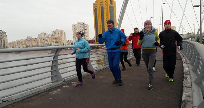 Утренняя пробежка Балтабека Нурахметова с участниками клуба Astana runners