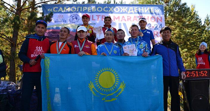 Балтабек Нурахметов во время марафона в Астане