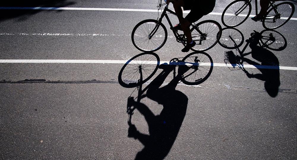 Велосипедист, архивное фото