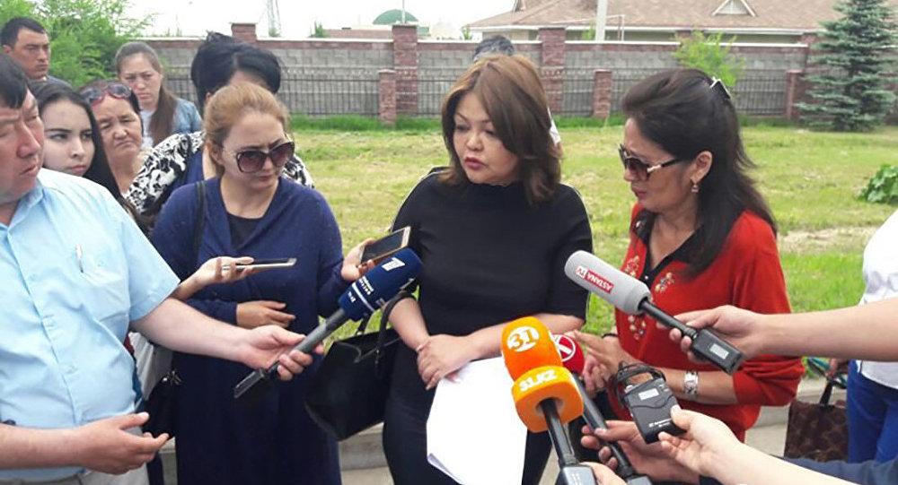 Мама убитого школьника Оркена Азаматулы прокомментировала приговор организатору убийства своего сына