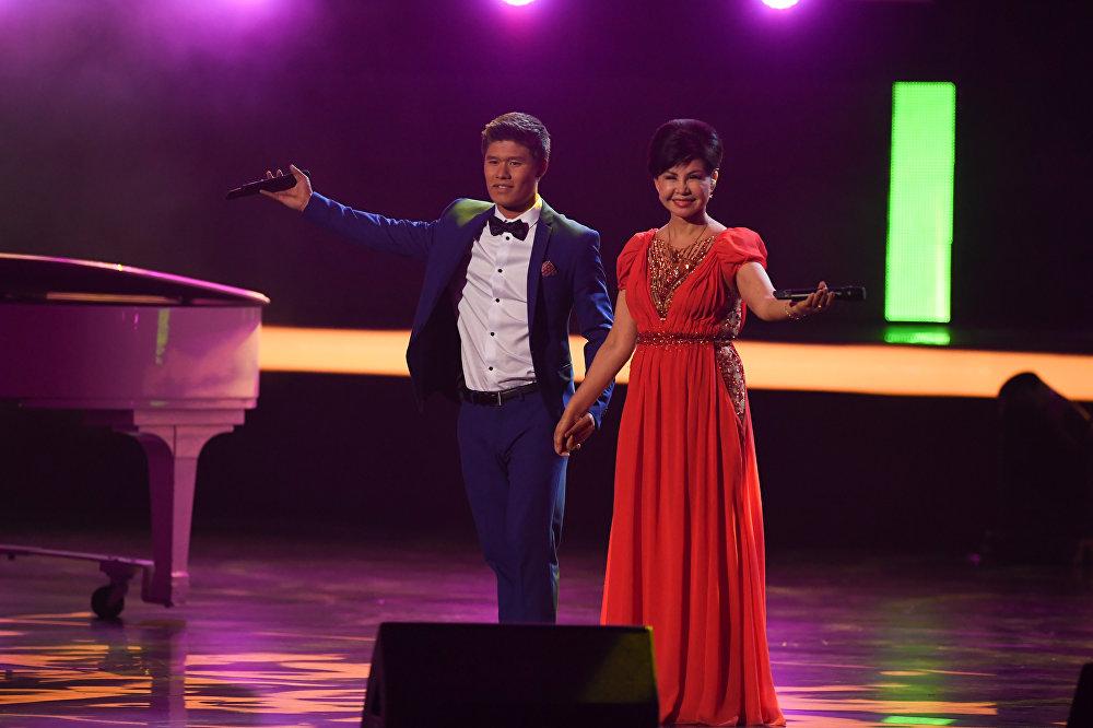 Влад Лоскутов и Роза Рымбаева