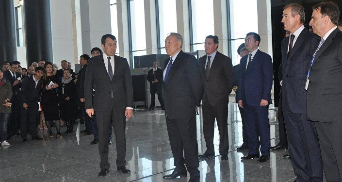 Нурсултан Назарбаев посетил новый терминал в аэропорту Астаны