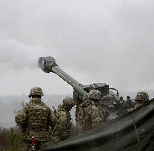 Архивное фото военнослужащих блока НАТО на учениях