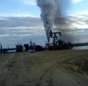 Скриншот видео очевидца аварии на месторождении Каражанбас