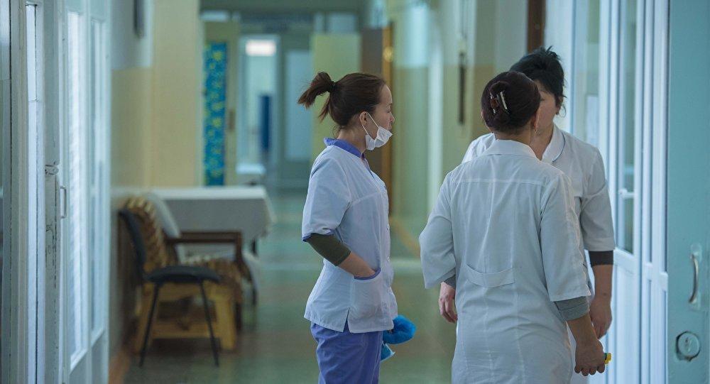 Врачи в больнице