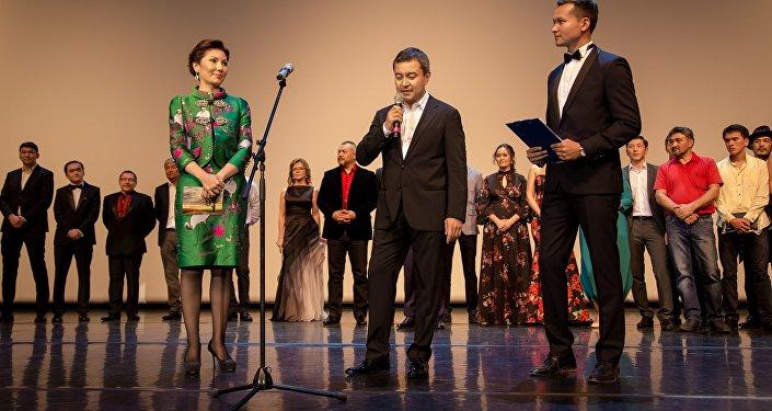 Алия Назарбаева на премьере фильма Дорога к матери в Алматы, архивное фото