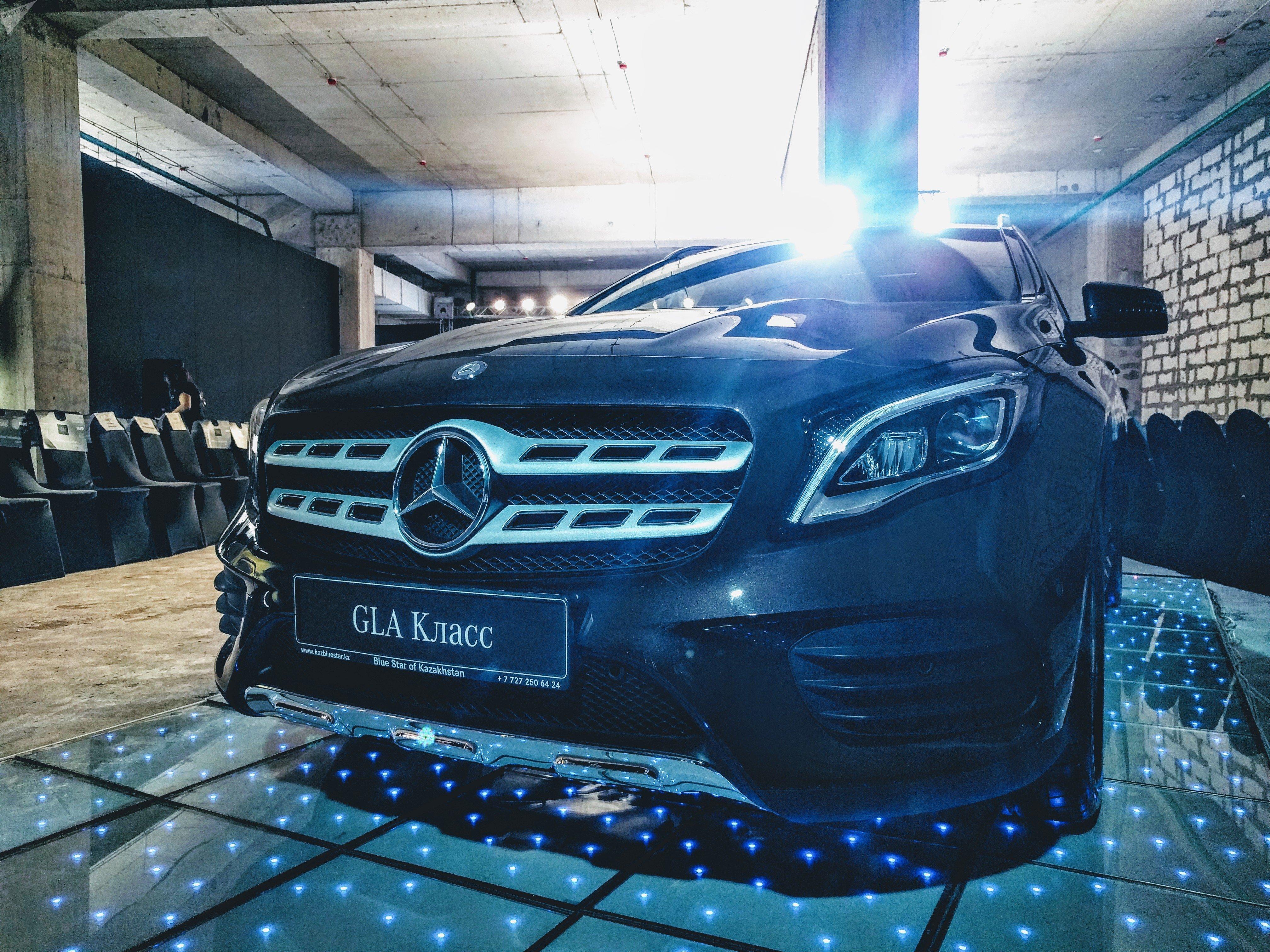 Обновленный Mercedes GLA 2017 года
