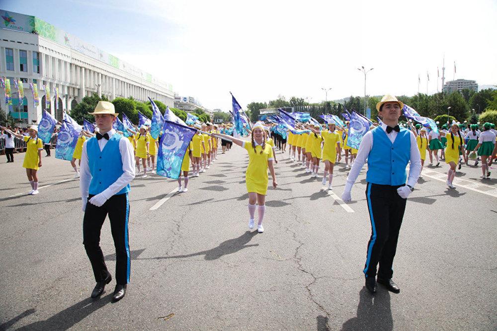 Парад детских оркестров впервые прошел в Алматы