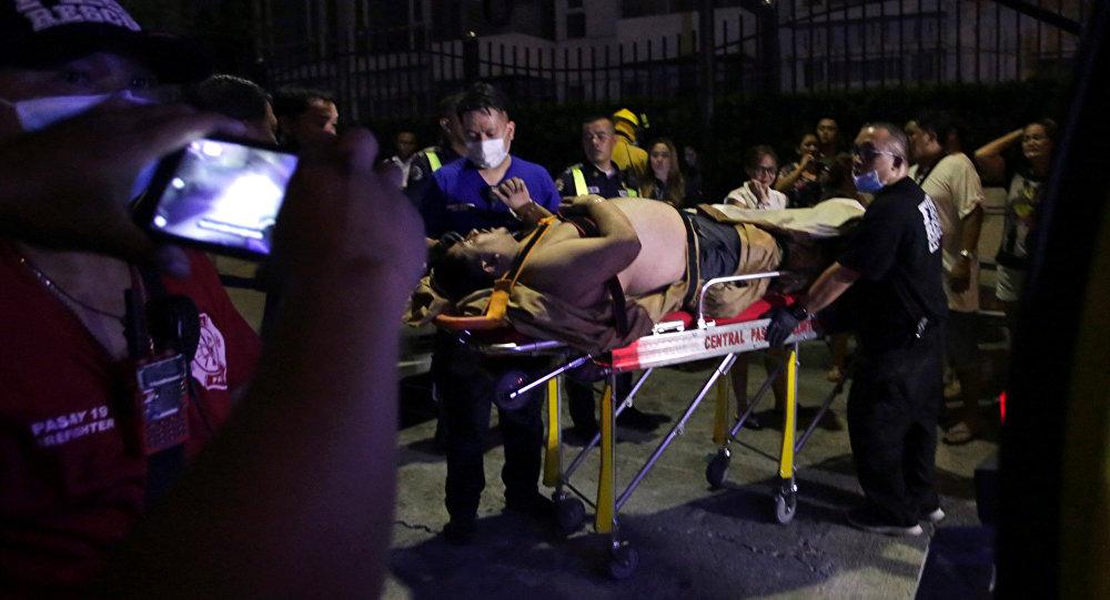 Раненый постоялец отеля Resorts World Manila в Маниле после инцидента в казино