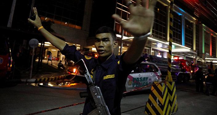 Ситуация у отеля Resorts World Manila в Маниле после инцидента в казино