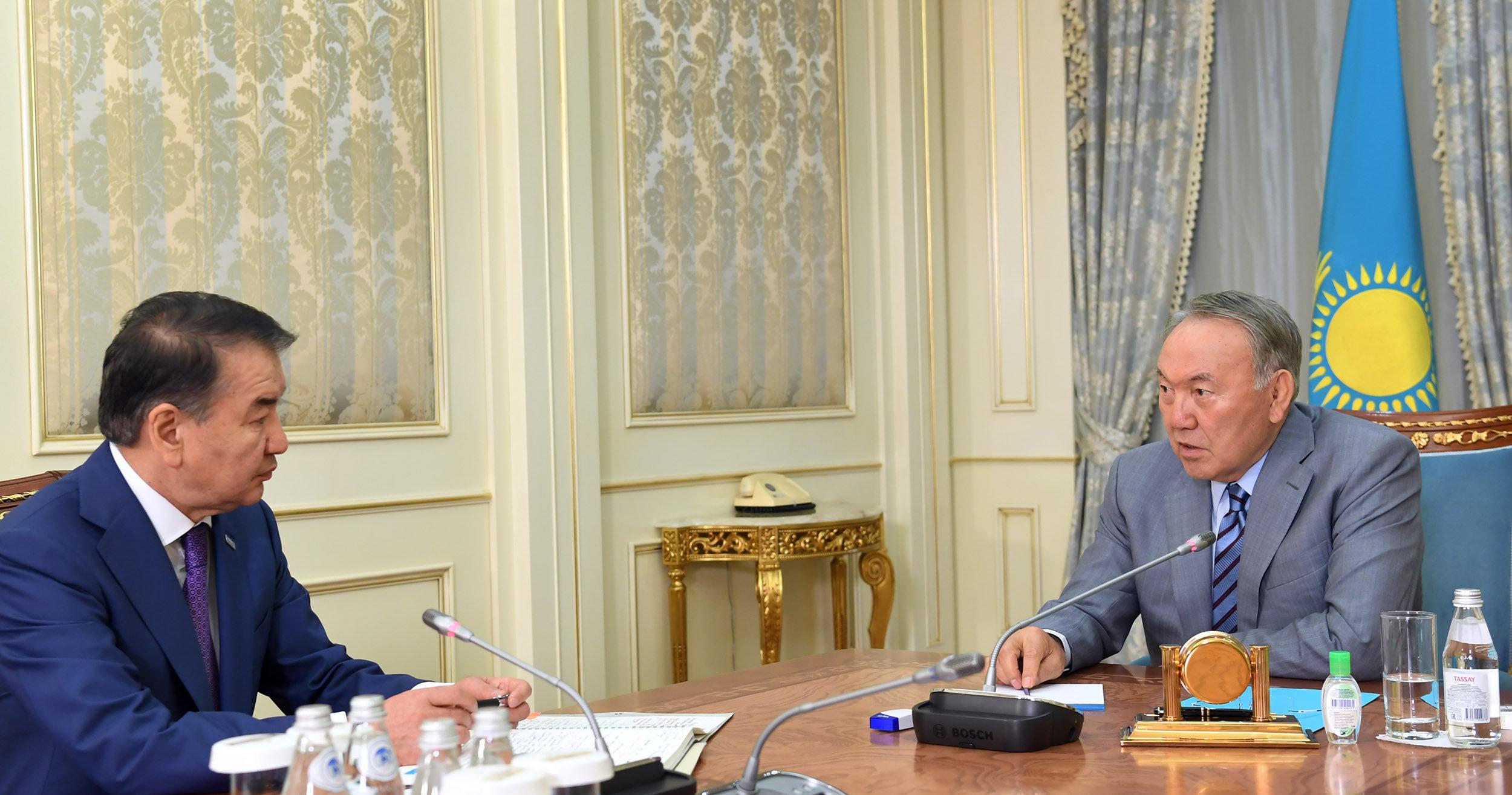 Нұрсұлтан Назарбаев Жоғарғы сот төрағасы Қайрат Мәмимен кездесті
