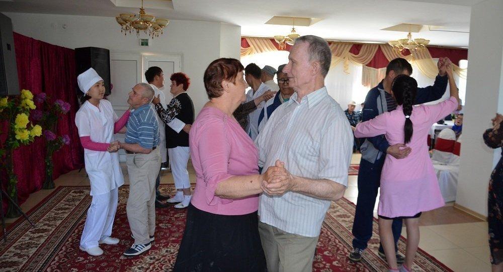 Мы выступили с концертом в доме престарелых на каких основаниях принимают в дом престарелых