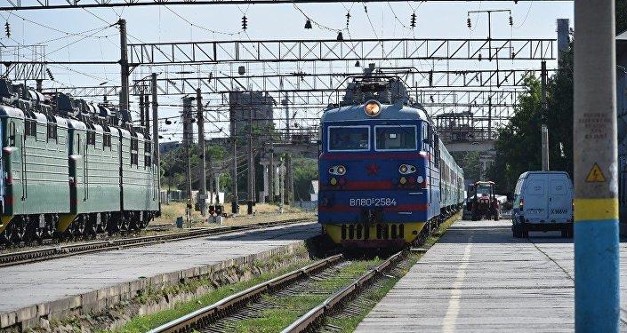 Запуск поезда сообщением Самарканд - Астана