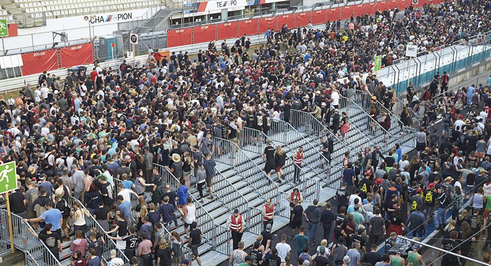 Рок-фестиваль вГермании прервали из-за угрозы теракта