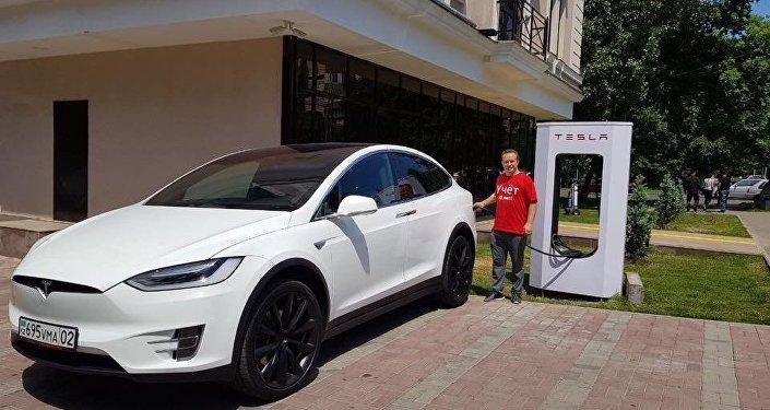 Первая станция быстрой зарядки для электрокаров Tesla Supercharged в Казахстане