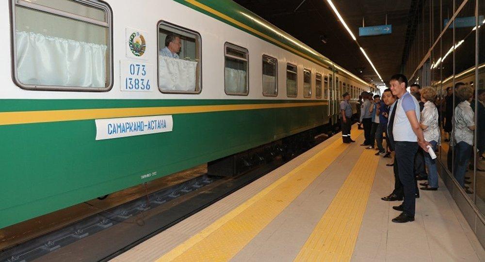 Прибытие поезда Самарканд – Астана на новый вокзал Нурлы жол