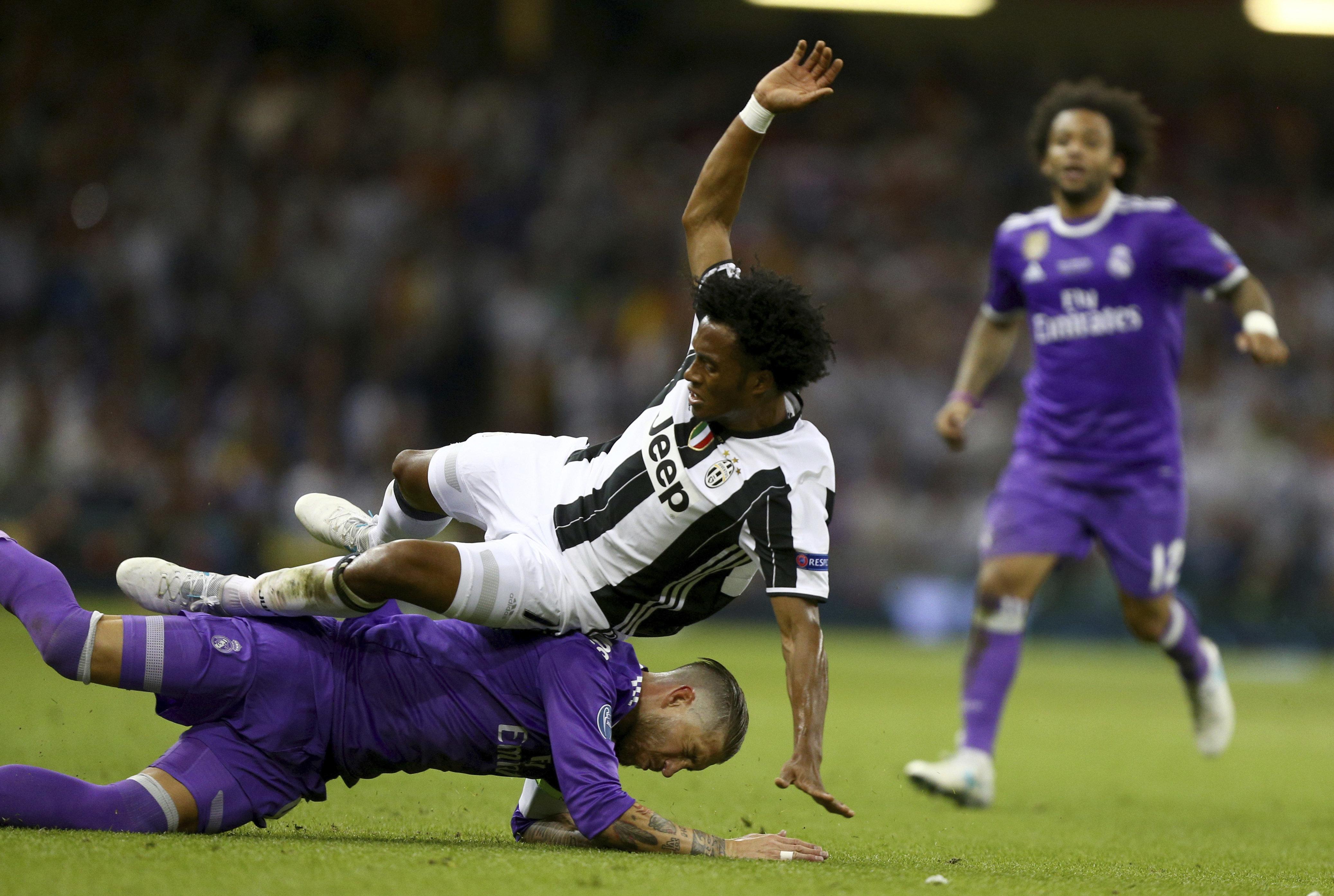 Инцидент с участием Серхио Рамоса и Хуаном Куадрадо на матче ЧМ в Кардиффе