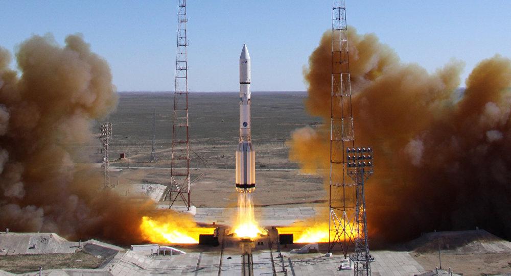 Запуск ракеты-носителя Протон-М с космодрома Байконур, архивное фото