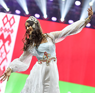 Ельназ Нурсеитова  на конкурсе Мисс СНГ