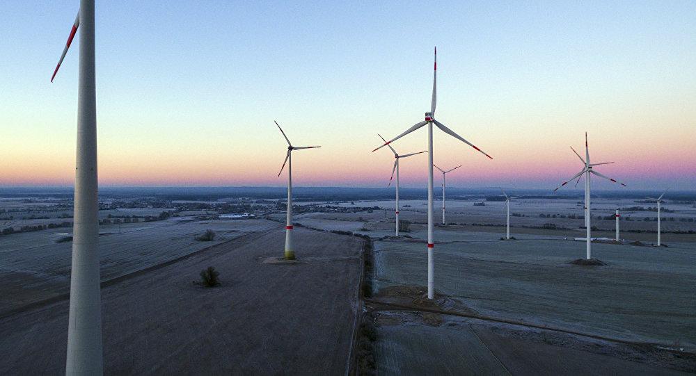 Ветровая установка, архивное фото