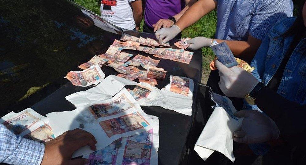 Группу фальшивомонетчиков задержали в Алматинской области