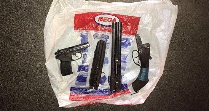 Изъятое при задержании оружие