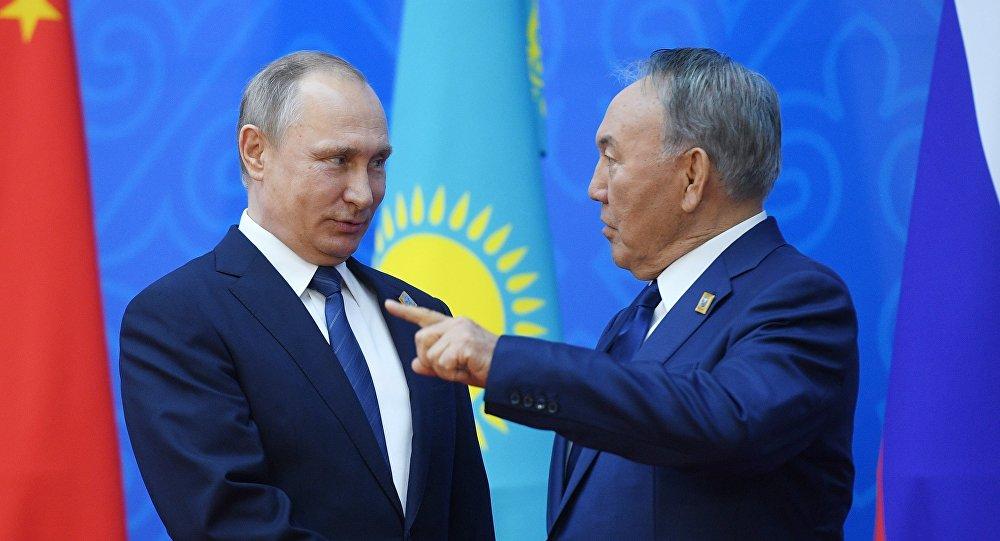 Нұрсұлтан Назарбаев пен Владимир Путин