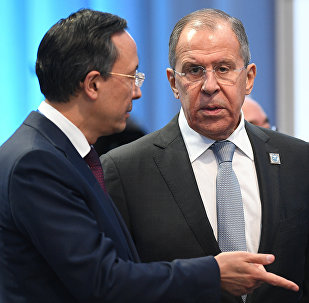 Сергей Лавров (справа) и Кайрат Абдрахманов