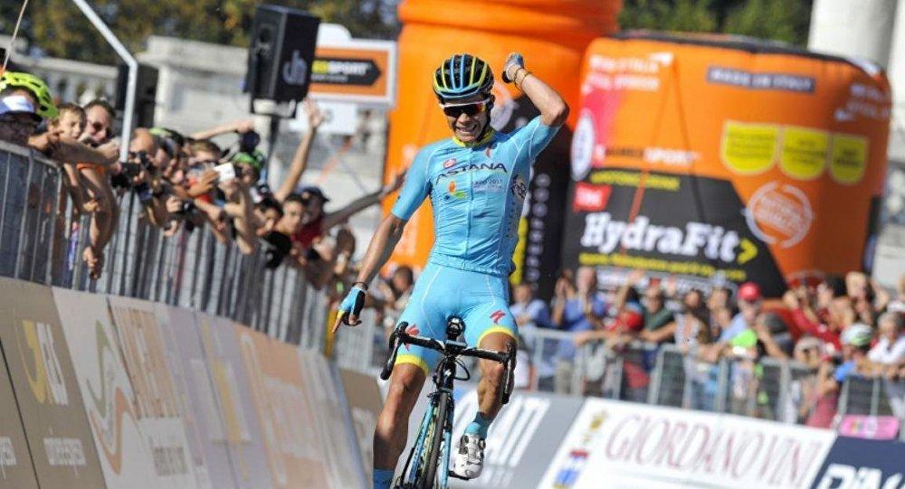 AstanaProTeam клубының колумбиялық велошабандозы Мигель Анхель Лопес