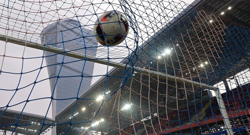 Мяч в воротах, архивное фото
