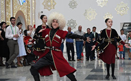 Лезгинка, шарап, президент: Грузия ЭКСПО-да қонақжайлығын көрсетіп жатыр
