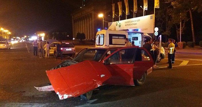 В Алматы на пересечении улиц Толе би и Панфилова произошло ДТП