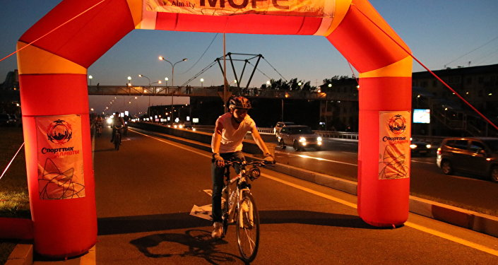 Ночной велопробег прошел в Алматы