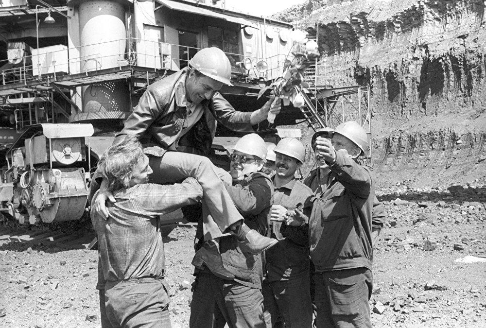 Горняки Экибастуза. Архивные кадры