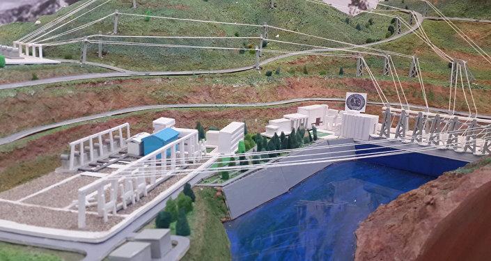 Макет гидроэлектростанции в павильоне Таджикистана