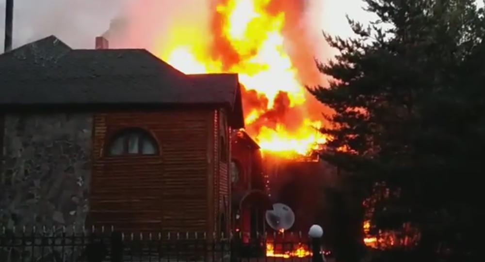 Отель горит в Боровом