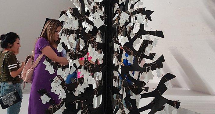 Дерево желаний в павильоне Финляндии