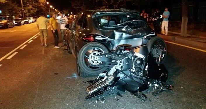 Авария с участием мотоциклиста на пр. Достык