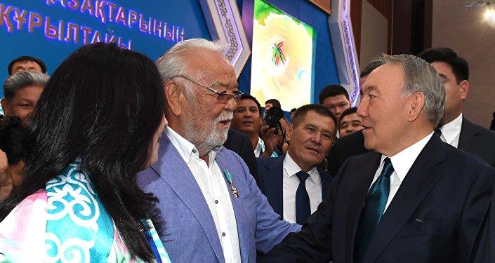 Нурсултан Назарбаев во время V Всемирного курултая казахов