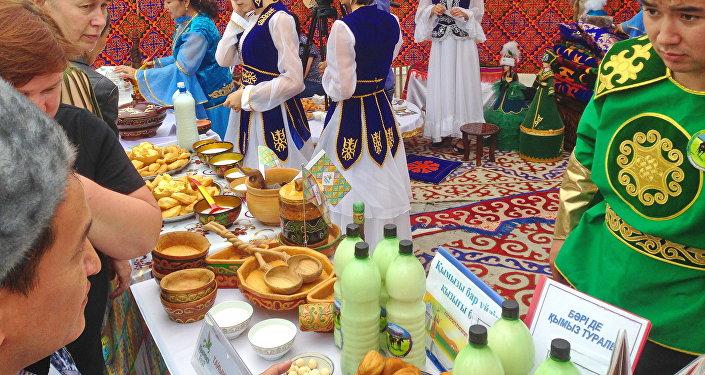 В Петропавловске впервые проходит фестиваль кумыса Кымызфест